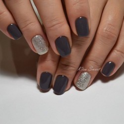 Dark gel polish photo