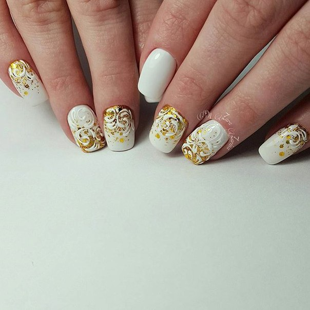 White and gold nails - The Best Images | BestArtNails.com