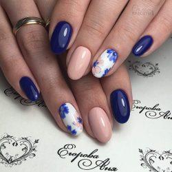 Light spring nails photo