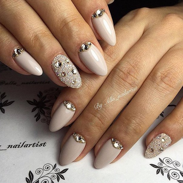 Angelina Jolie nails - The Best Images | BestArtNails.com