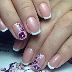 Wedding gel nails photo