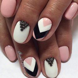 Striped nails photo