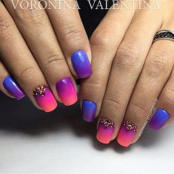Bright gradient nails photo