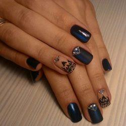 Dark blue nails photo
