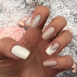 White and beige nails photo