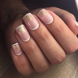 Beige and gold nails photo
