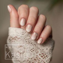 Beautiful beige nails photo
