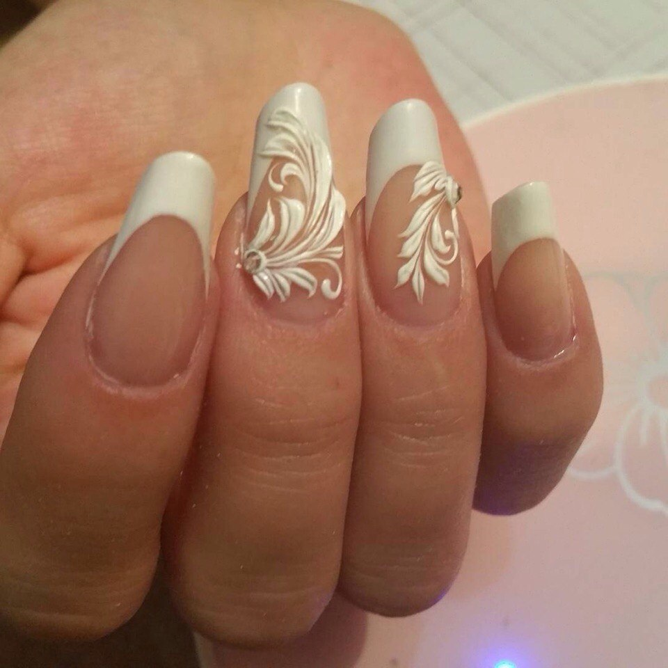 French nails oval