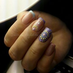 Dotted nails photo