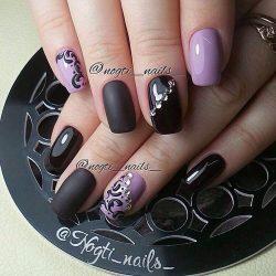Black and purple nails photo