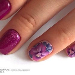 Fuchsia nails photo