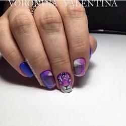 Gradient manicure for a short nails photo