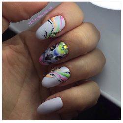 Bird nail art photo