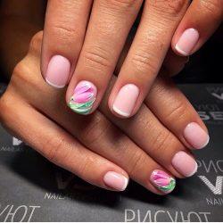 Spring shellac nails photo