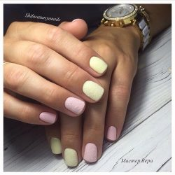 Matte nails with glossy pattern photo