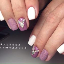 Nails with squares photo