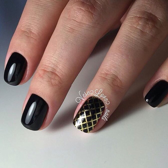 Square nails