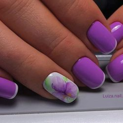 Fashion liliac nails photo