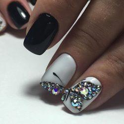 Black and white nail art photo
