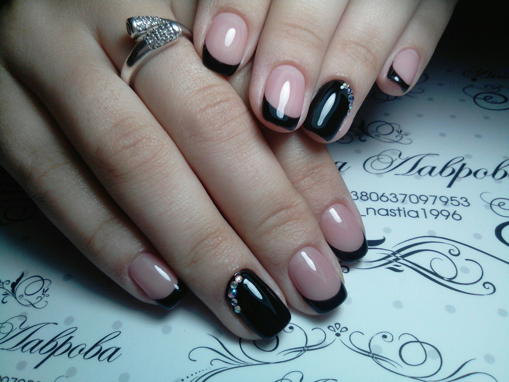 Black dress nails - Nails For A Black Evening Dress Photo