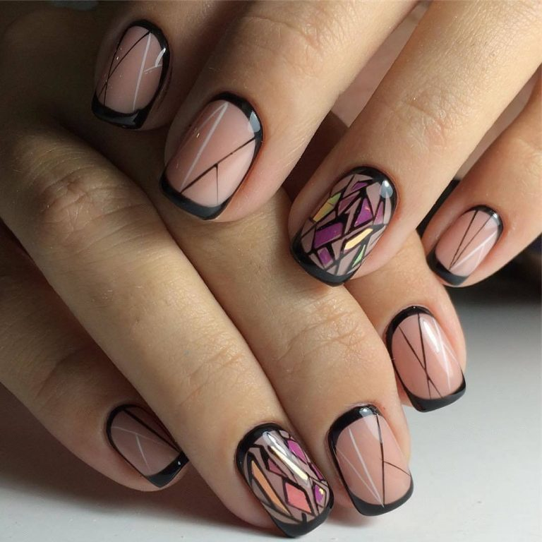 Moon french manicure