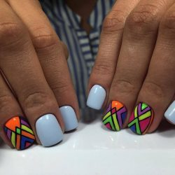 Short geometric nails photo