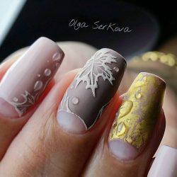 Moon fall nails photo