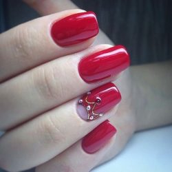 Scarlet nails photo
