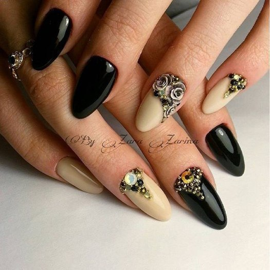 Two-colored bright nails