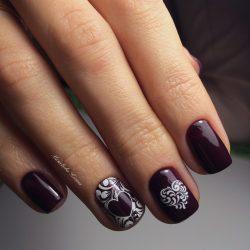 Plum nails photo