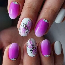 Pink short nails photo