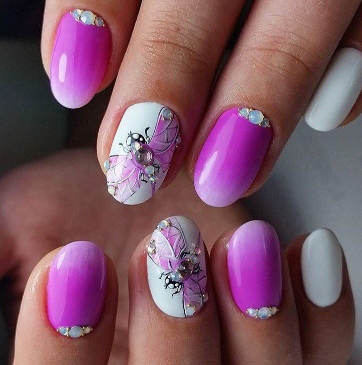 Pink nails with patterns