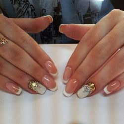 Nails with gold photo