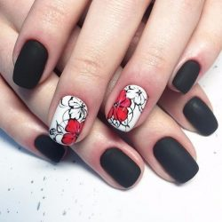 Contrast nails photo