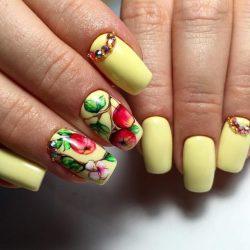 Vacation nails photo