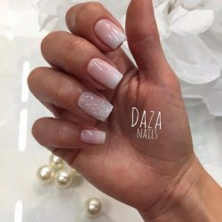 Beautiful gradient nails photo