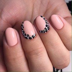 Calm nails design photo