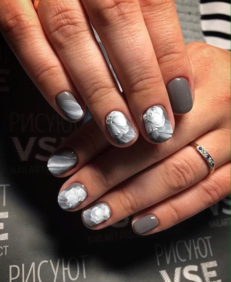 Nails with artistic painting