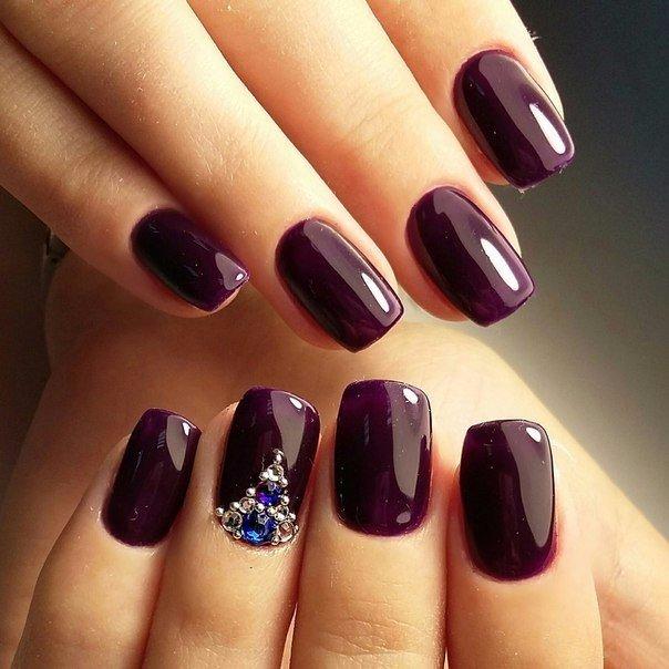 Dark short nails