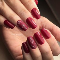 Dark red nails photo