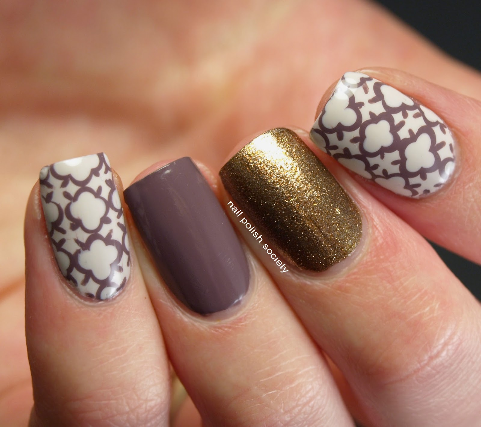 Tri-color nails