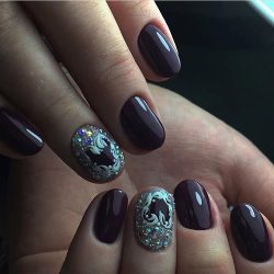 Dark autumn nails photo