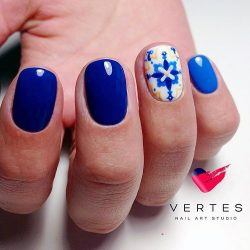 Bright blue nails ideas photo