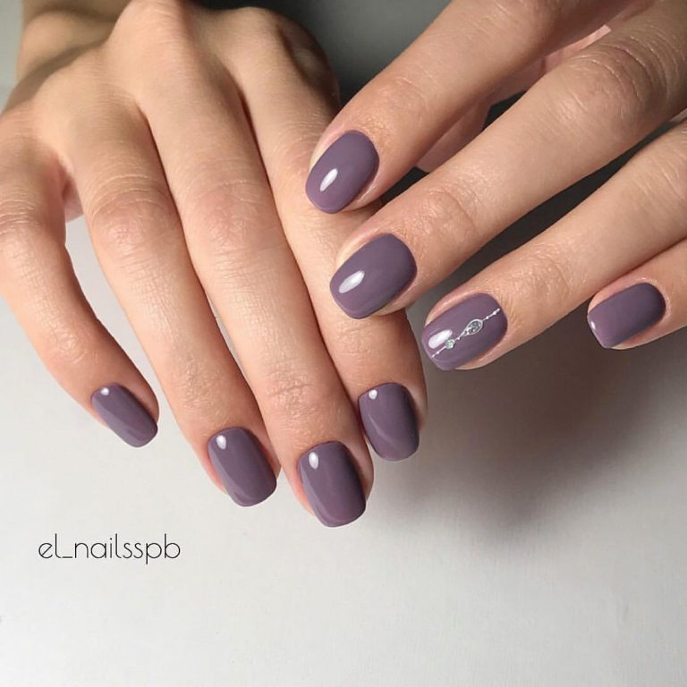 Silver painted nails