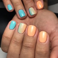 Gradient manicure for a short nails photo