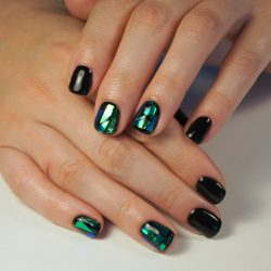 Splashy nails photo