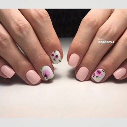 Gentle nails with flowers photo