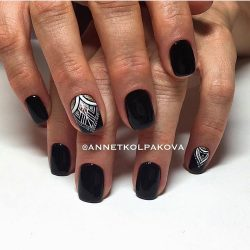 Short black nails photo