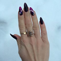 Sharp nails photo