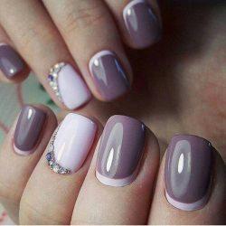 Peach dress nails photo
